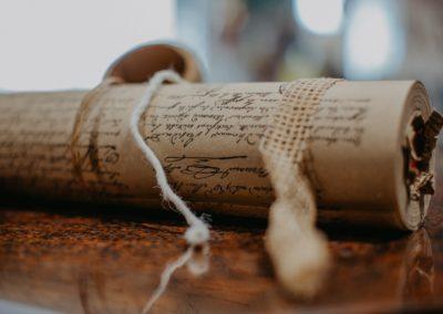 Geschenkpapier Rolle mit Geschenkband
