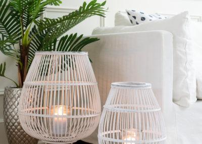 Teelichthalter und Kerzenständer im eleganten weißen Design