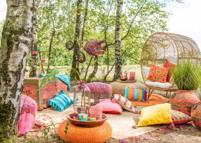 Farbenfrohe Textilien und einige interessanten Artikel im Vintage Look