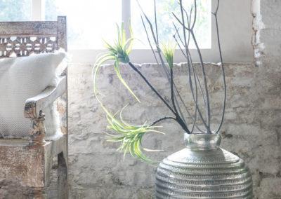 Orientalische Deko Vase mit Sträuchern drin