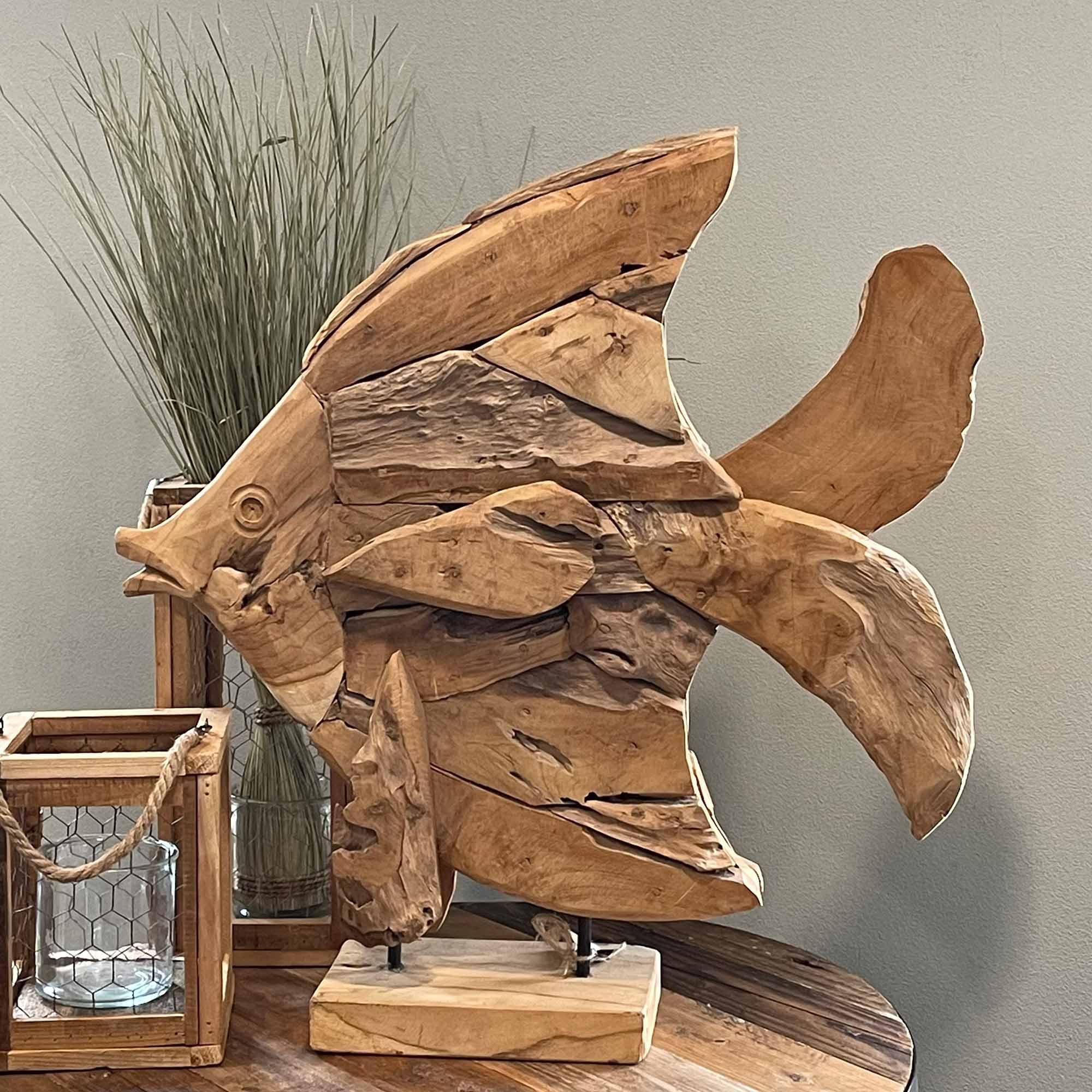Abstrakte Fisch Figur aus Holz